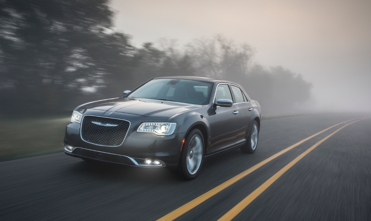 2019 Chrysler 300 Gray Exterior Front View